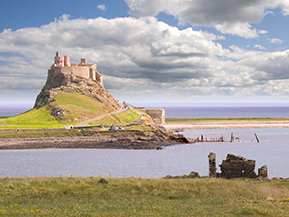holy island castle of alnick 2